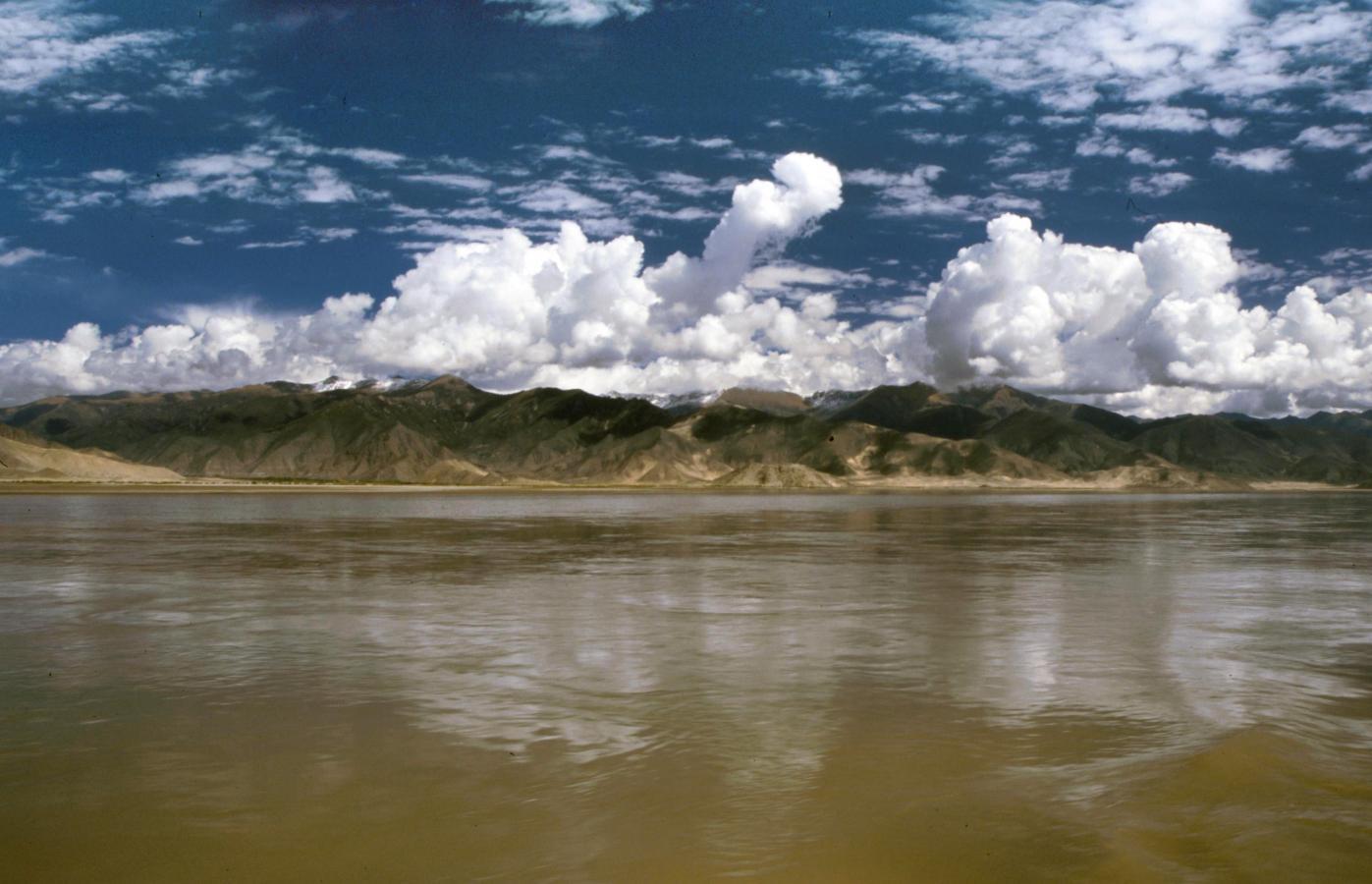 tsangpo-ferry-to-samye-monastery-2-tibet-2000
