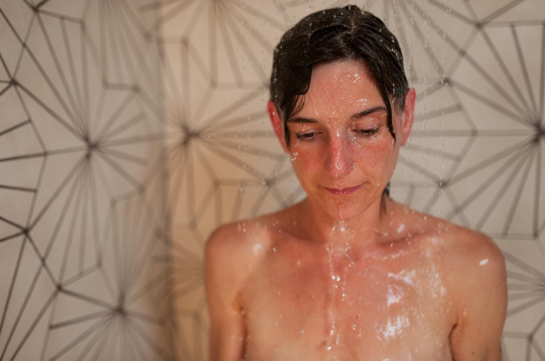 babs-shower