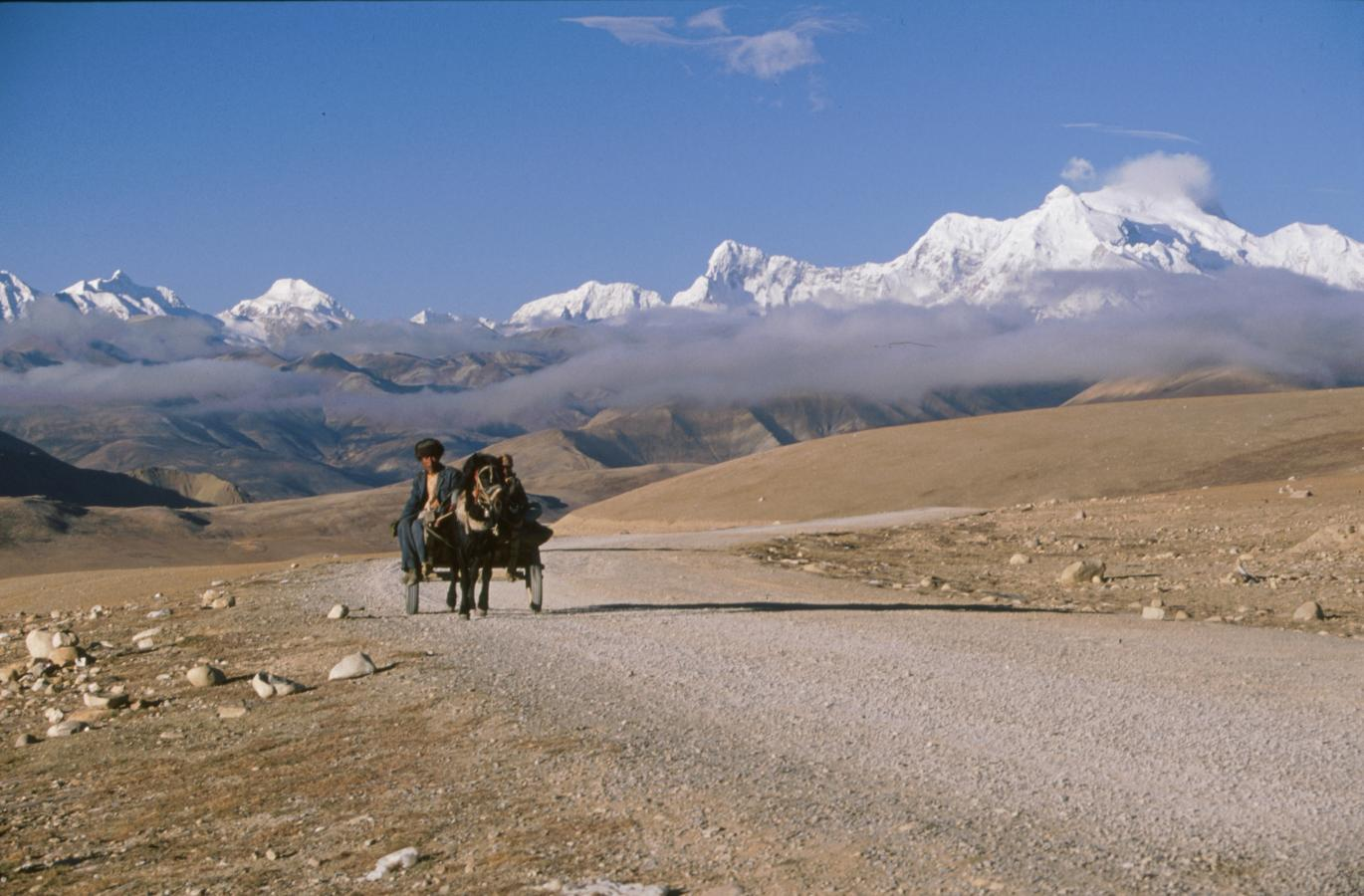 mountain-pass-of-lhakpa-la-3-tibet-2000-tibet-2000