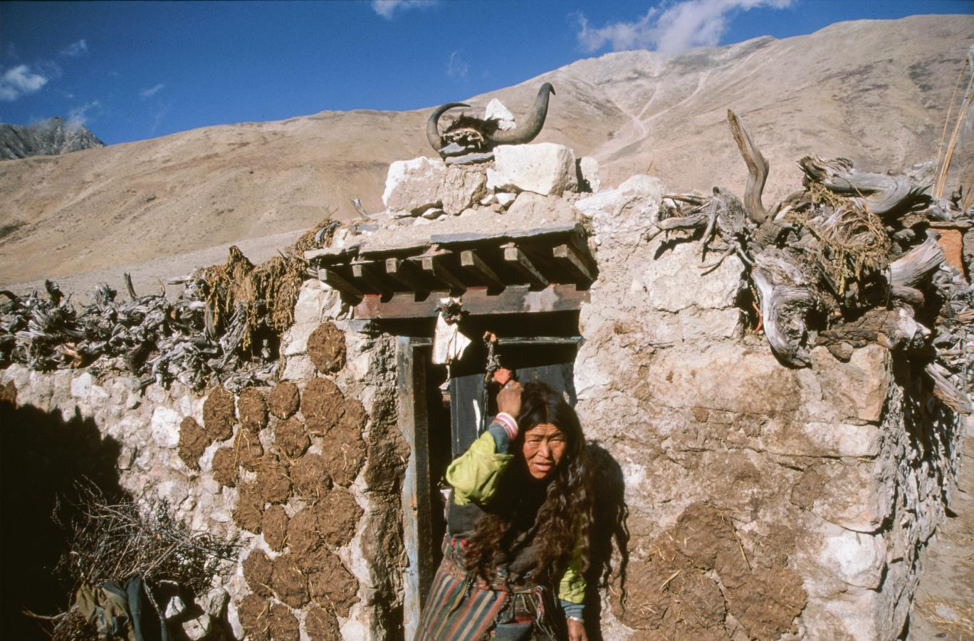 small-village-of-tingri-tibet-2000