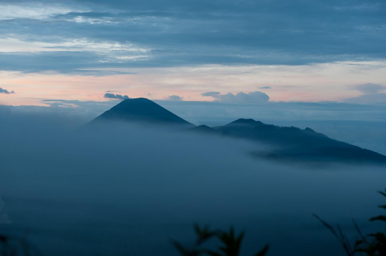 sunrise-at-the-bromo-volcano-java-2010