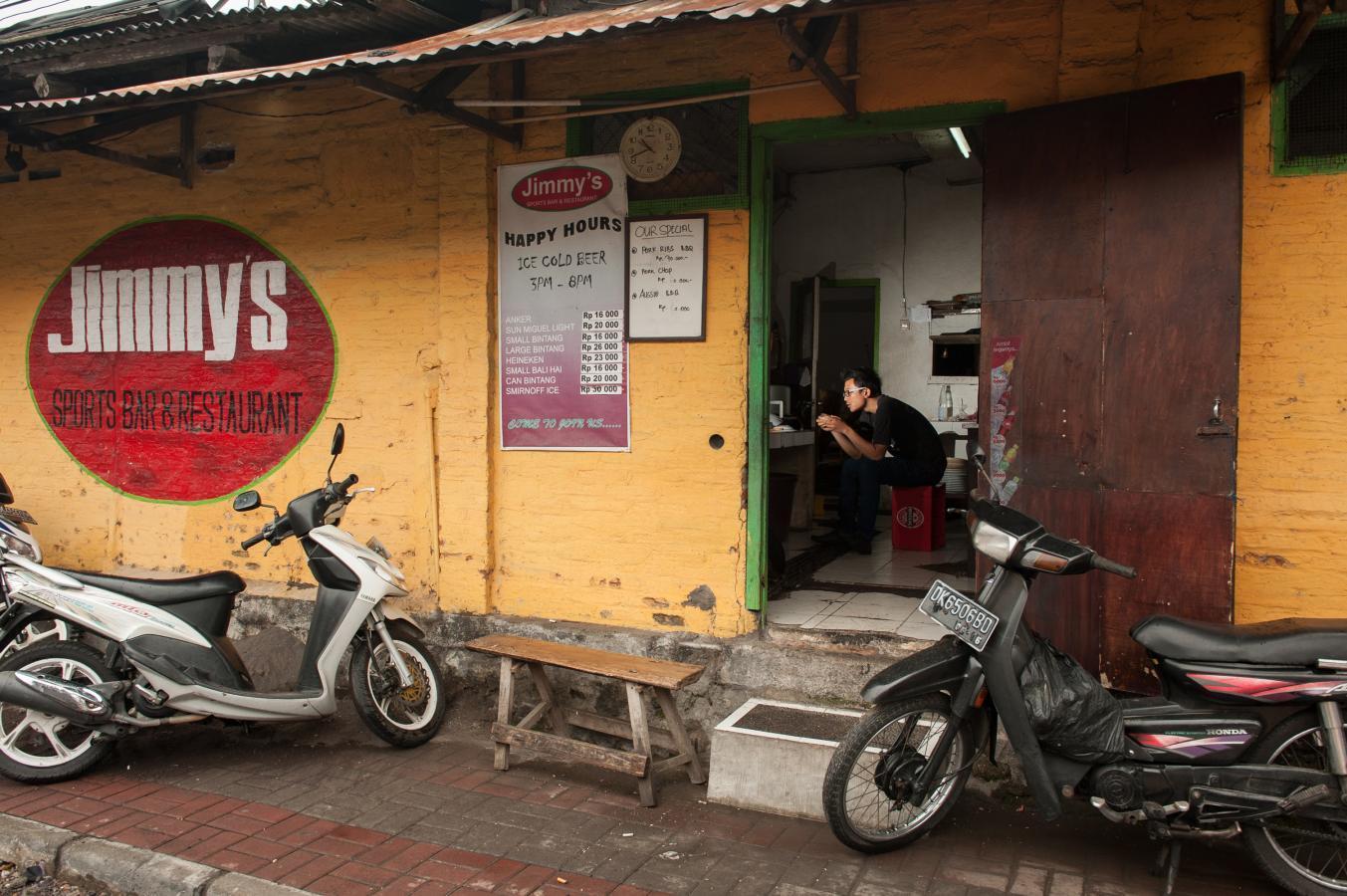 jimmy's-sports-bar-sanur-bali-2013